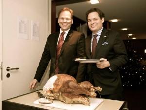 Left: President Neil van Siclen Right: Fize-president Hans-Joachim Semig