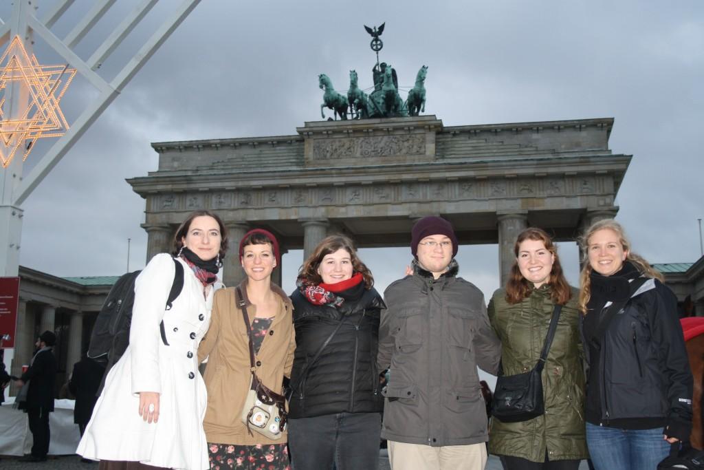 From left to right: Janine Ludwig, Carol, Phoebe, Ira, Helen, Verena Mertz