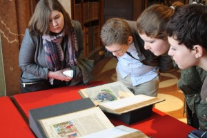 Students looking at Luther Bible