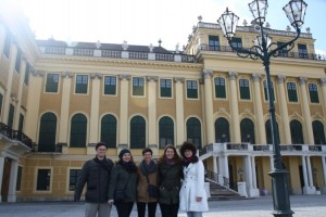 Whole group Schoenbrunn