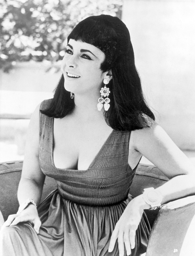 Elizabeth Taylor on the set of Cleopatra (1963)