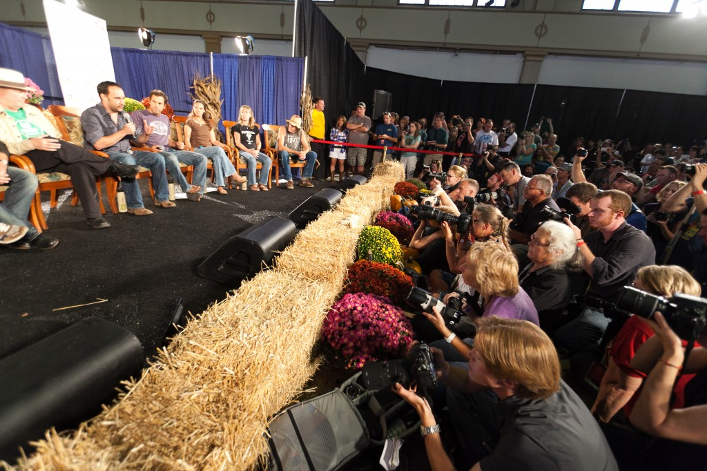 Farm Aid 2012 Press Conference: Dave Matthews speaks about the Food Hub he and his wife helped create in Charlottesville, VA.