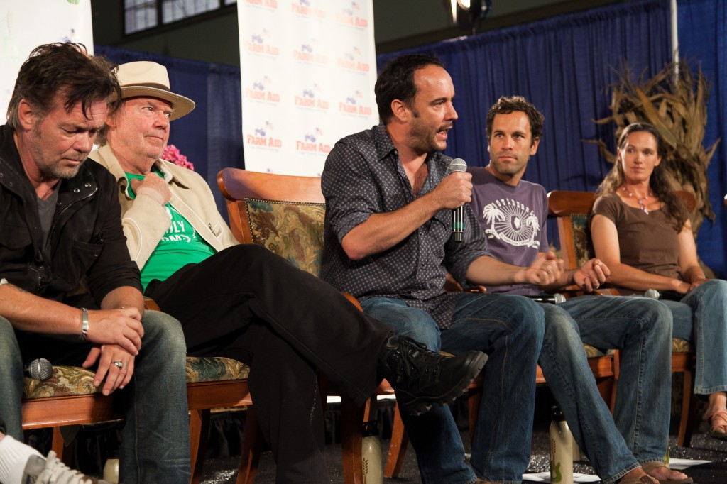 Farm Aid Press Conference 2012: Dave Matthews addresses the crowd.