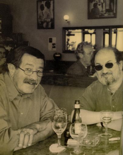 Hochkarätige Literaten treffen sich im Cafe Einstein: Salman Rushdie und Günter Grass