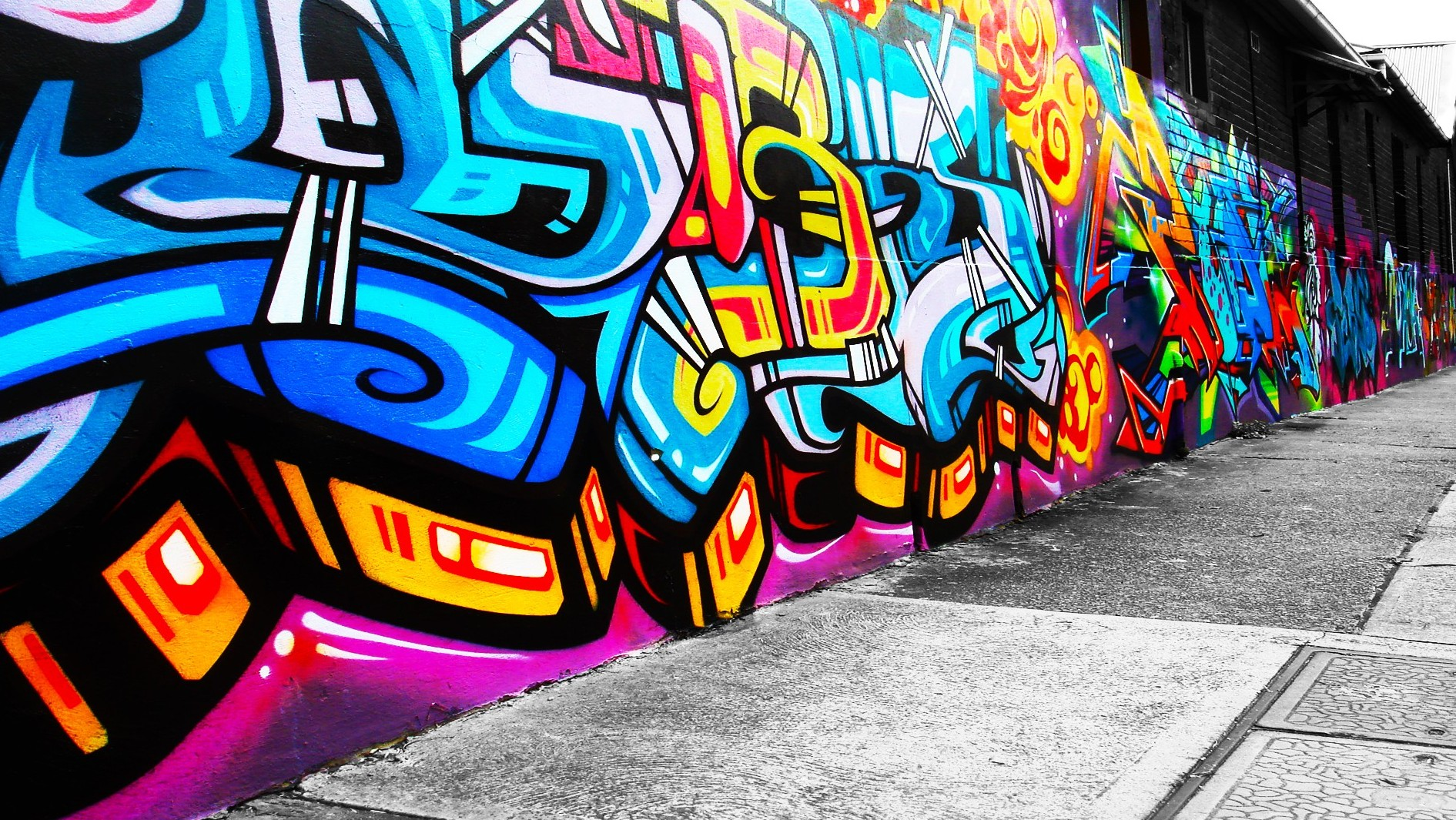 Free Graffiti Wallpaper  e