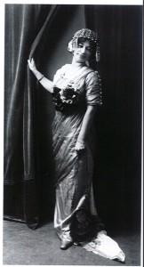 Ruane lady gown slim silhouette