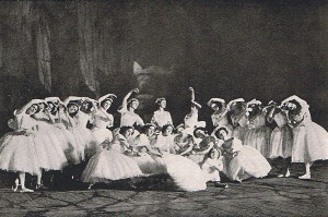 Cast of Les Sylphides in London 1911, curtesy of wikicommons.