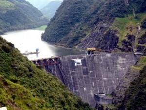 ECUADOR_Dam_Paute