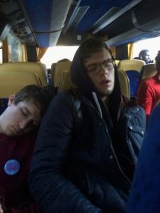 Ils étaient fatigués après notre week-end sportif ! Photo de Claudia Vaughan