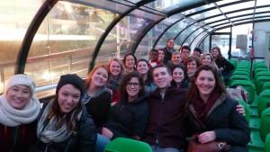 Dans le bateau-mouche notre premier soir à Paris.