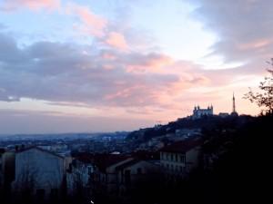 Le crépuscule à Lyon. Photo d'Andrew Fuchs.